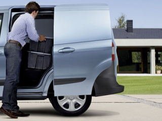 Ford-Transit-Courier-2014